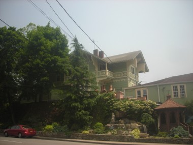 Lovely house on the BPR entering New Rochelle